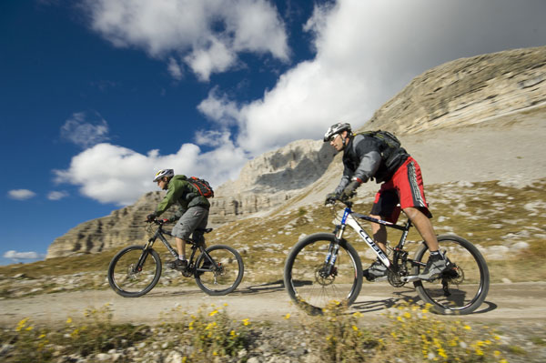 SCOPRIRE LA MONTAGNA IN MOUNTAIN BIKE